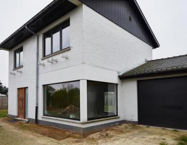 Aluminium ramen - Houten deuren - KwadrO Gent