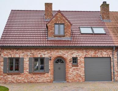 Pvc ramen, deuren en garagepoort - KwadrO Gent